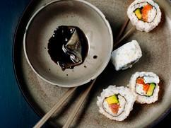 Sushi med sojasås