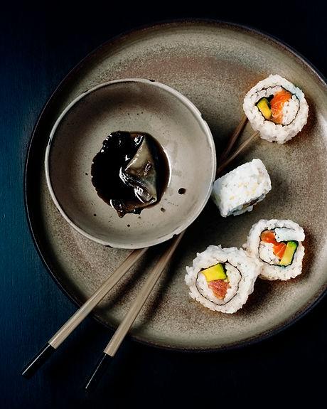 醤油で寿司