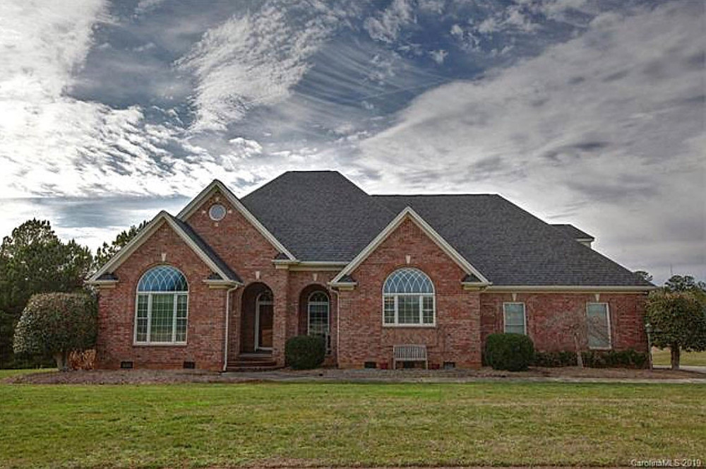 large custom brick home in Stanley, NC