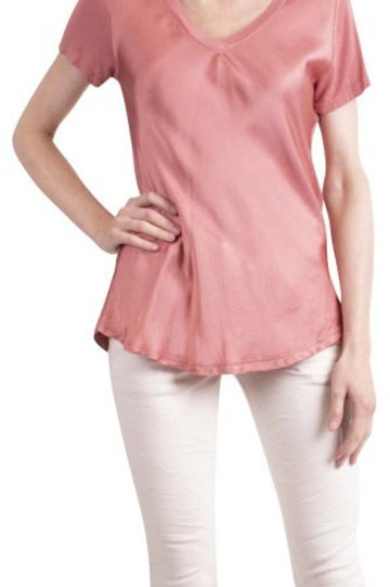 GIGI  MODA Satin V-Neck T-Shirt