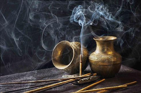 incense-1961430_1920_edited.jpg