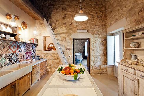 Tvůj dům, dekorace dům, dřevěné misky z olivového dřeva, vařečky, kuchyně