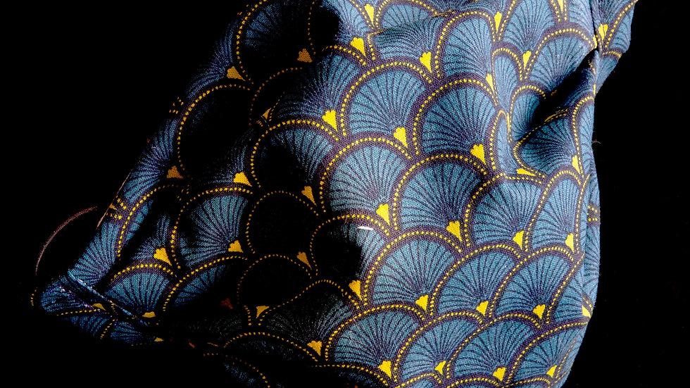 Blue fan footlights