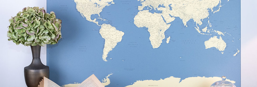 Tamsiai mėlynas pasaulio žemėlapis ant drobės