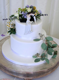 White fresh flowers two tier