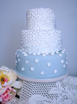 'Something Blue' Daisy Cake