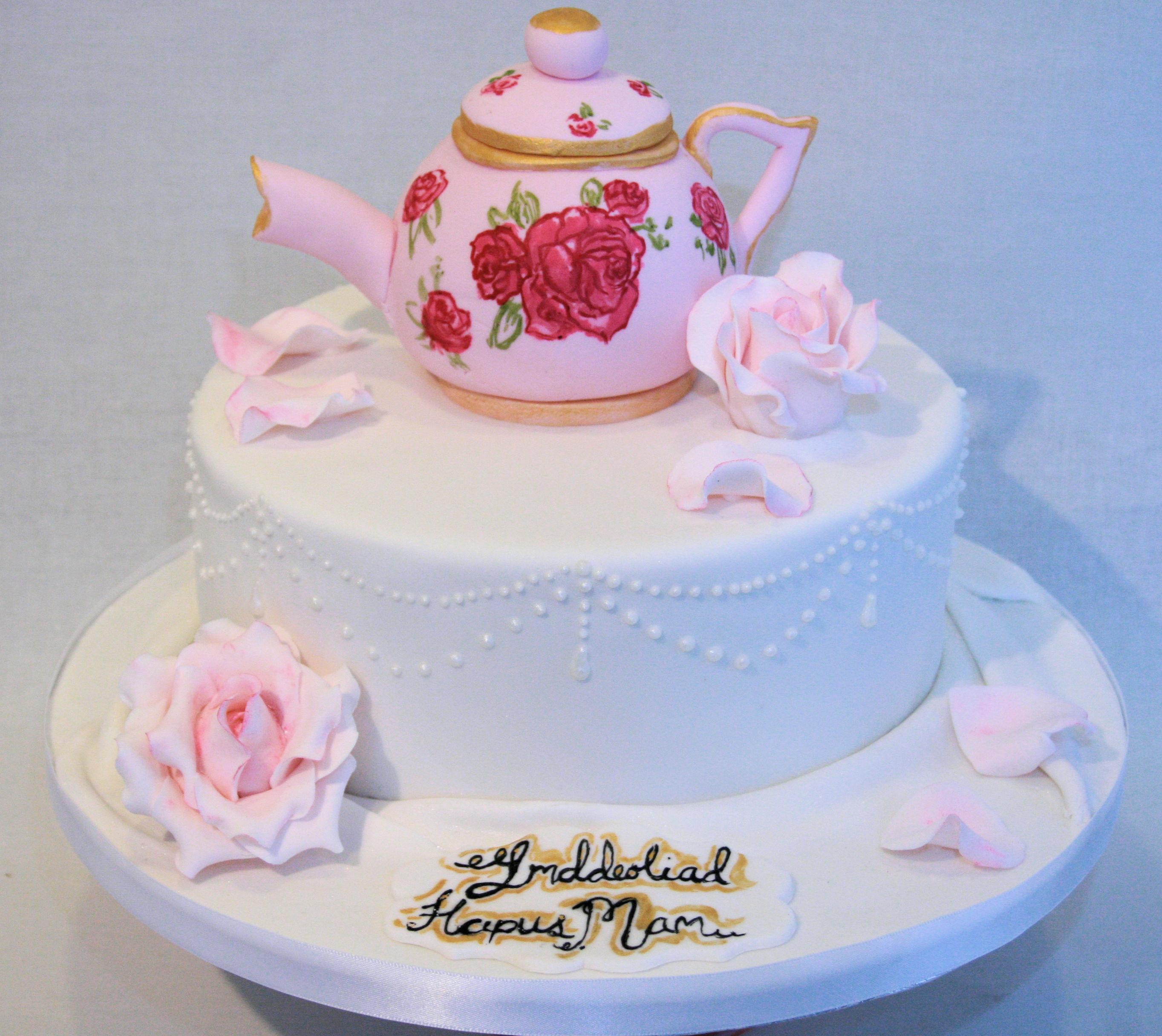 Vintage Teapot Cake