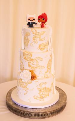 Split theme wedding cake