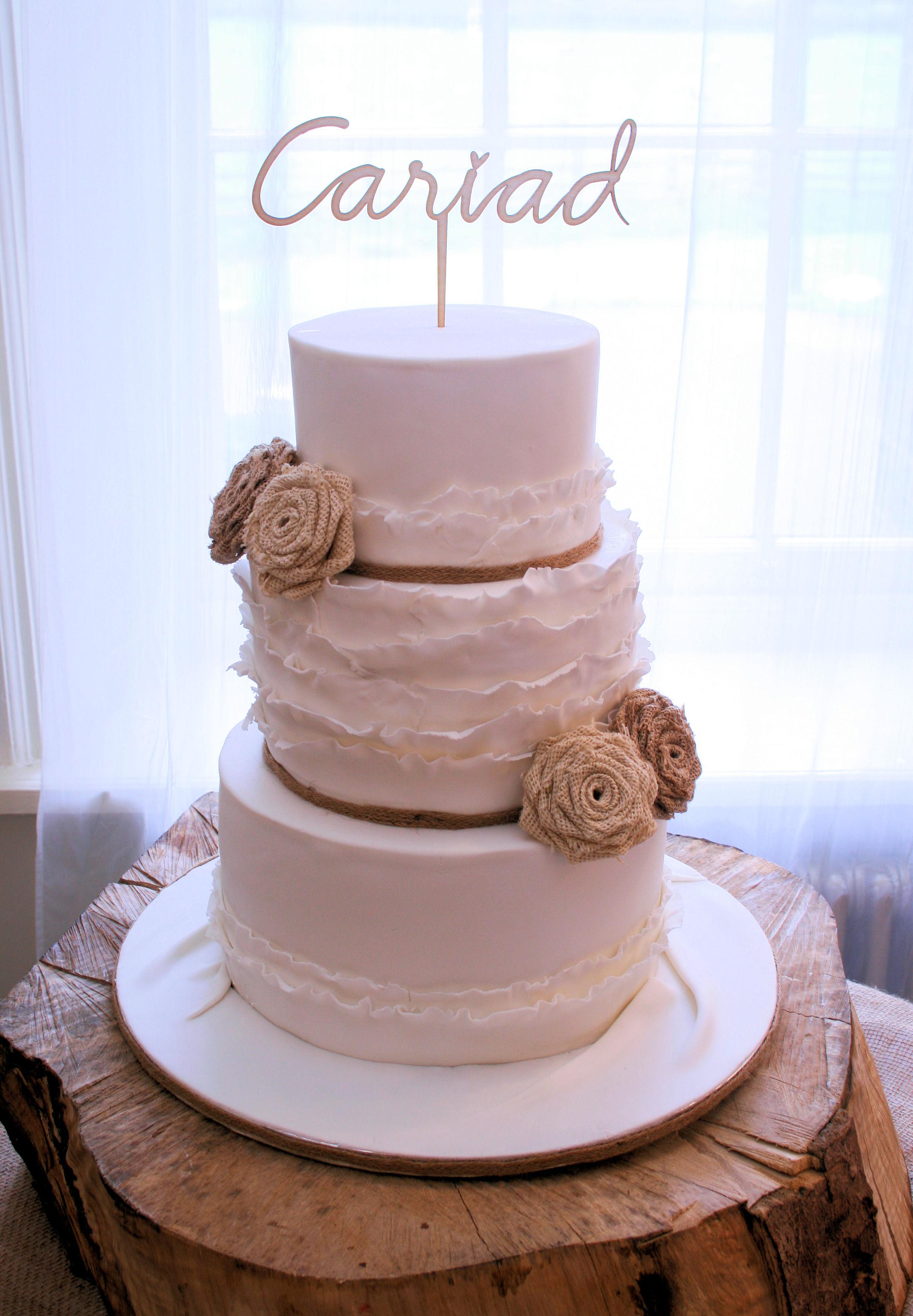 Rustic Hessian Wedding Cake