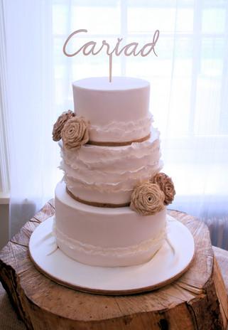 brecon rustic weding cake.jpg