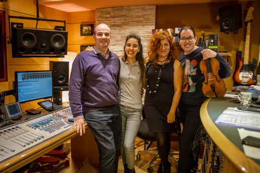 Con Cristina Montes (Arpa), Pilar Jurado (Compositora) y Cecilia Bercovich (violín)