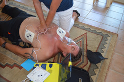aed-pad-compress
