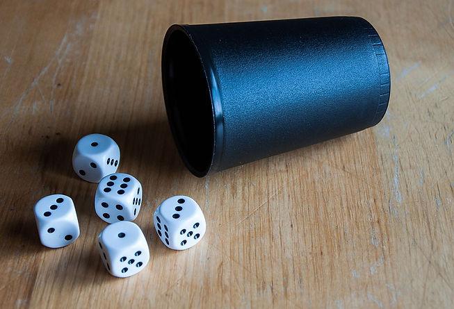 160327_White_dice_11.jpg