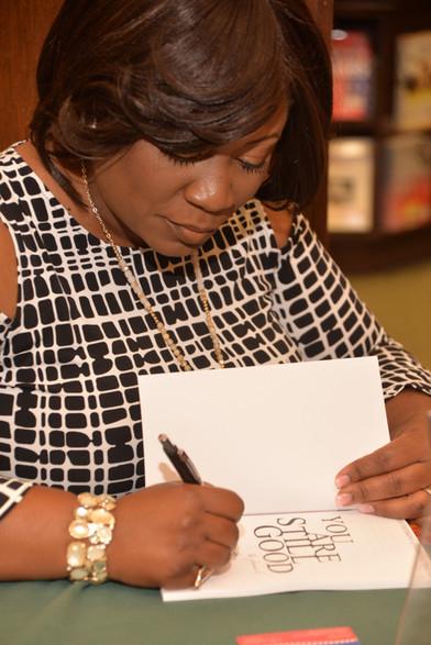 La'Wana Signing