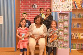 La'Wana with Children