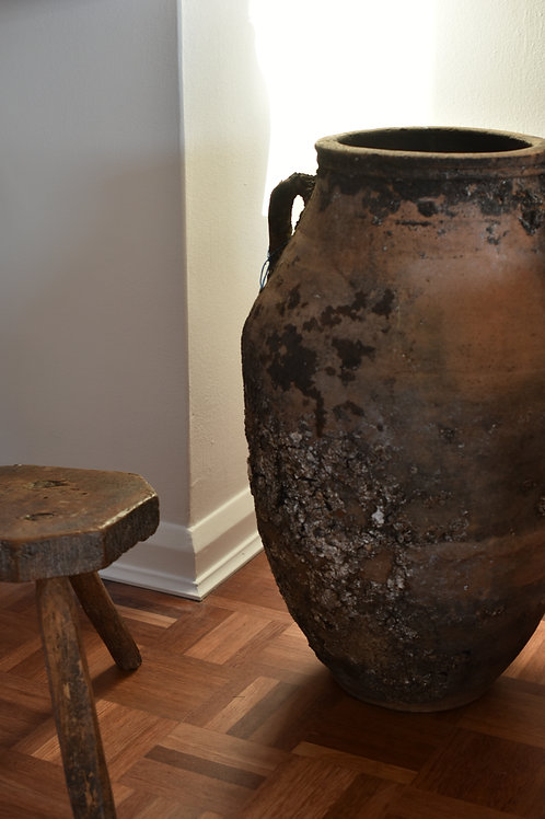 ~Pembe~ antique twin-handled pot urn