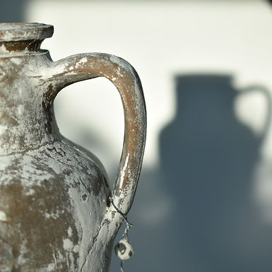antique whitewashed olive pot | Safranbolu