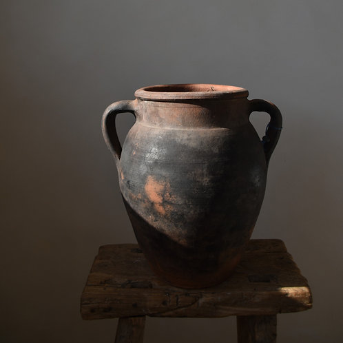 ~Sümeyye~ antique clay twin-handled pot