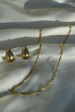 vintage solid 9ct earrings