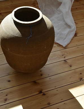 ~Damla~ antique Mediterranean olive pot
