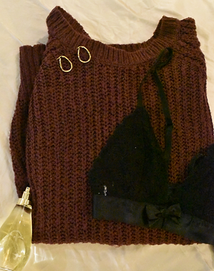 Urban Outfitters burgundy knit jumper | size small
