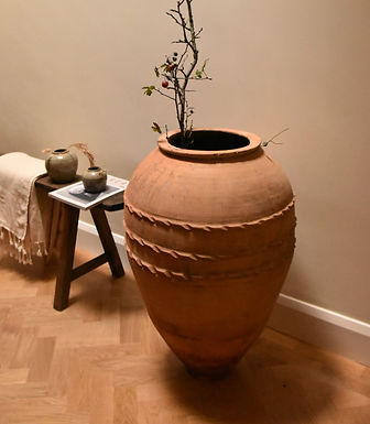 antique Turkish terracotta olive pot   Bölme