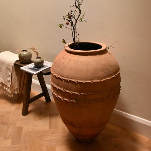 antique Turkish terracotta olive pot | Bölme