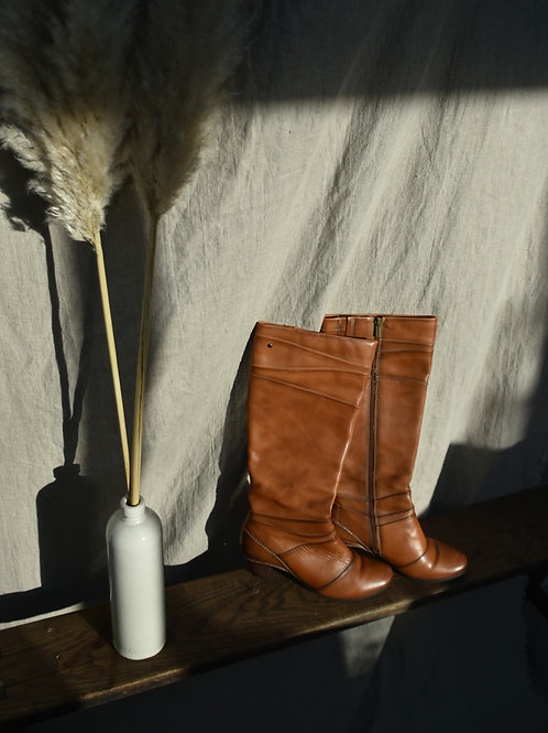 vintage tan leather boots | size 40