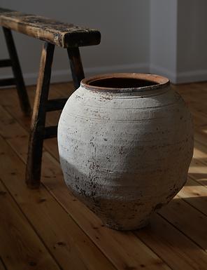 ~Yaren~ whitewashed olive pot