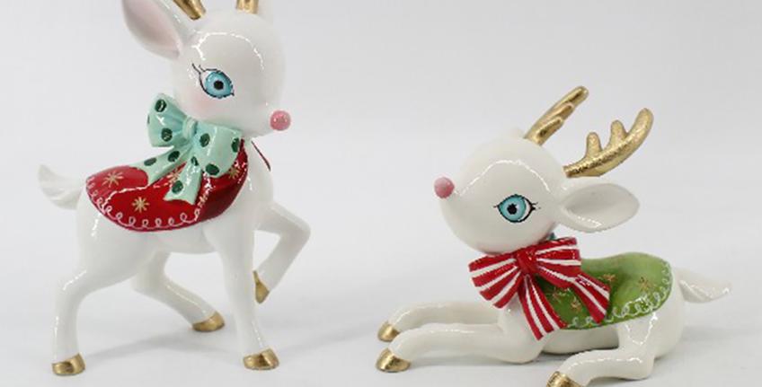 Set of 2 Playful Christmas Deers Decor