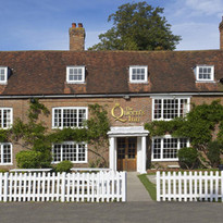 The Queens Inn.jpg