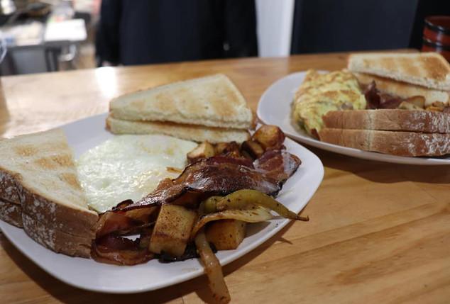 Breakfast at Ribbon Cafe