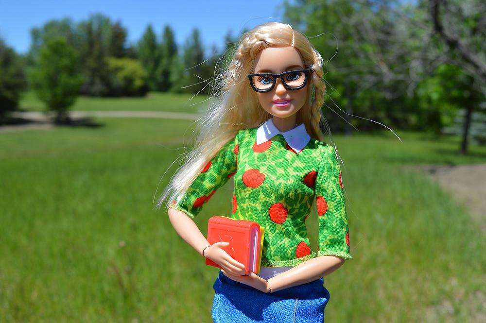 Barbie institutrice, étudiante ou whatever