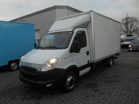 Iveco Daily 35C15 Koffer.JPG