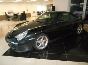Porsche 911 Carrera 4S Coupe.JPG