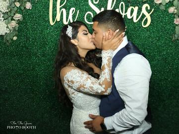 B&E Kissing L.jpg