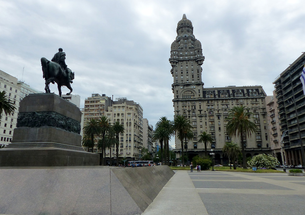 Montevideo, Uruguay - Vagabond Journals