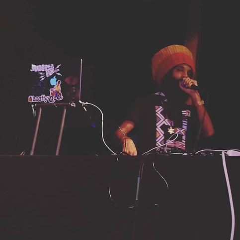 RASPECT to I and I favorite DJ @yaadcore each one teach one.🔥🔥🔥 #dashbackfriday #blackgrenadeentertainment #NoFenkeFenke #seattlereggae
