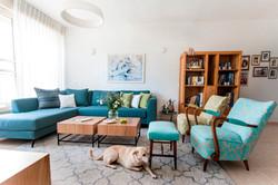 עיצוב סלון בדירה מודרני בנס ציונה