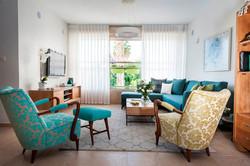 עיצוב סלון מודרני בדירה בנס ציונה