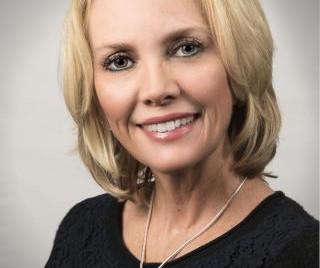 Diane Salter, MSN, BA, RN, CPAN, NE-BC to speak at the 2019 Michigan Nursing Summit