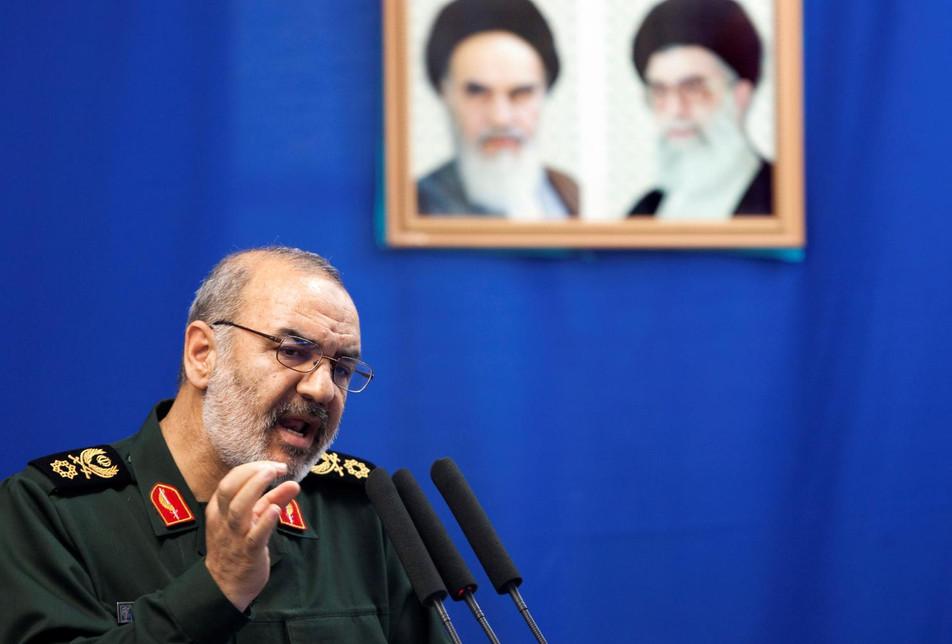 نشنال اینترست: تغییر رژیم ایران در راه است و ربطی هم به برجام و تحریم ندارد!