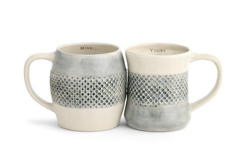 Set of 2 giving mugs
