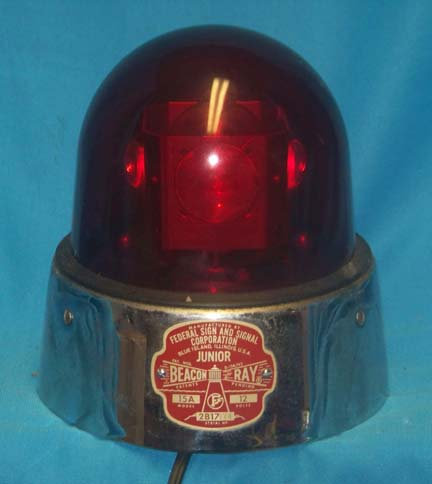FEDERAL JUNIOR BEACON RAY MODEL 15 with Lens (red)