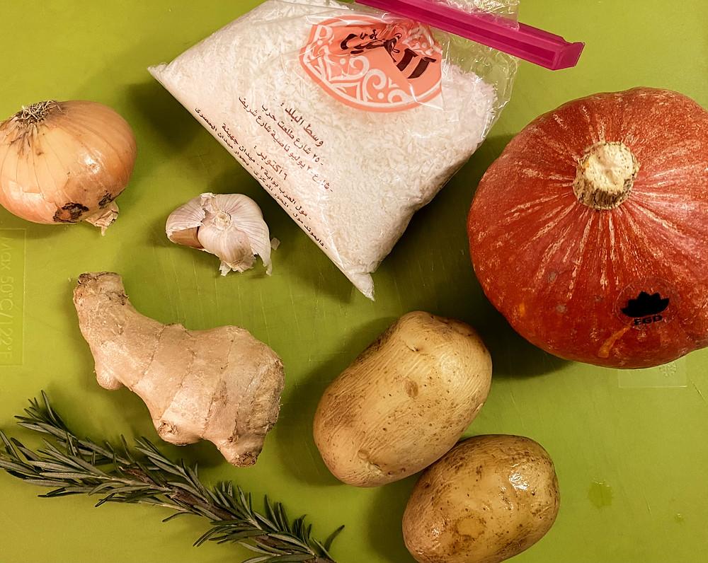Hauptzutaten für die Hokkaido-Kartoffel-Suppe