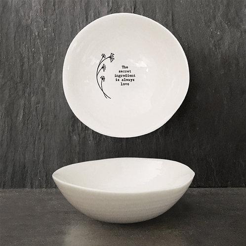 East of india 'the secret ingredient' medium hedgerow boxed porcelain bowl