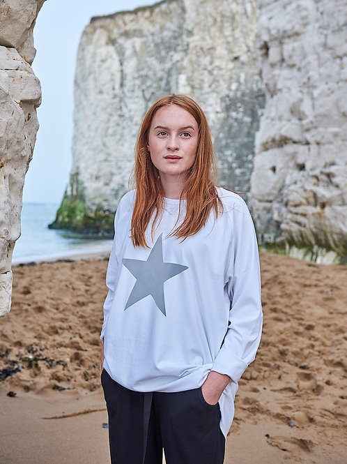 Chalk white robyn top with giant grey star print