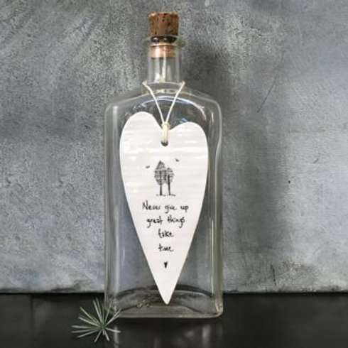 East of india 'never give up' porcelain hanging heart