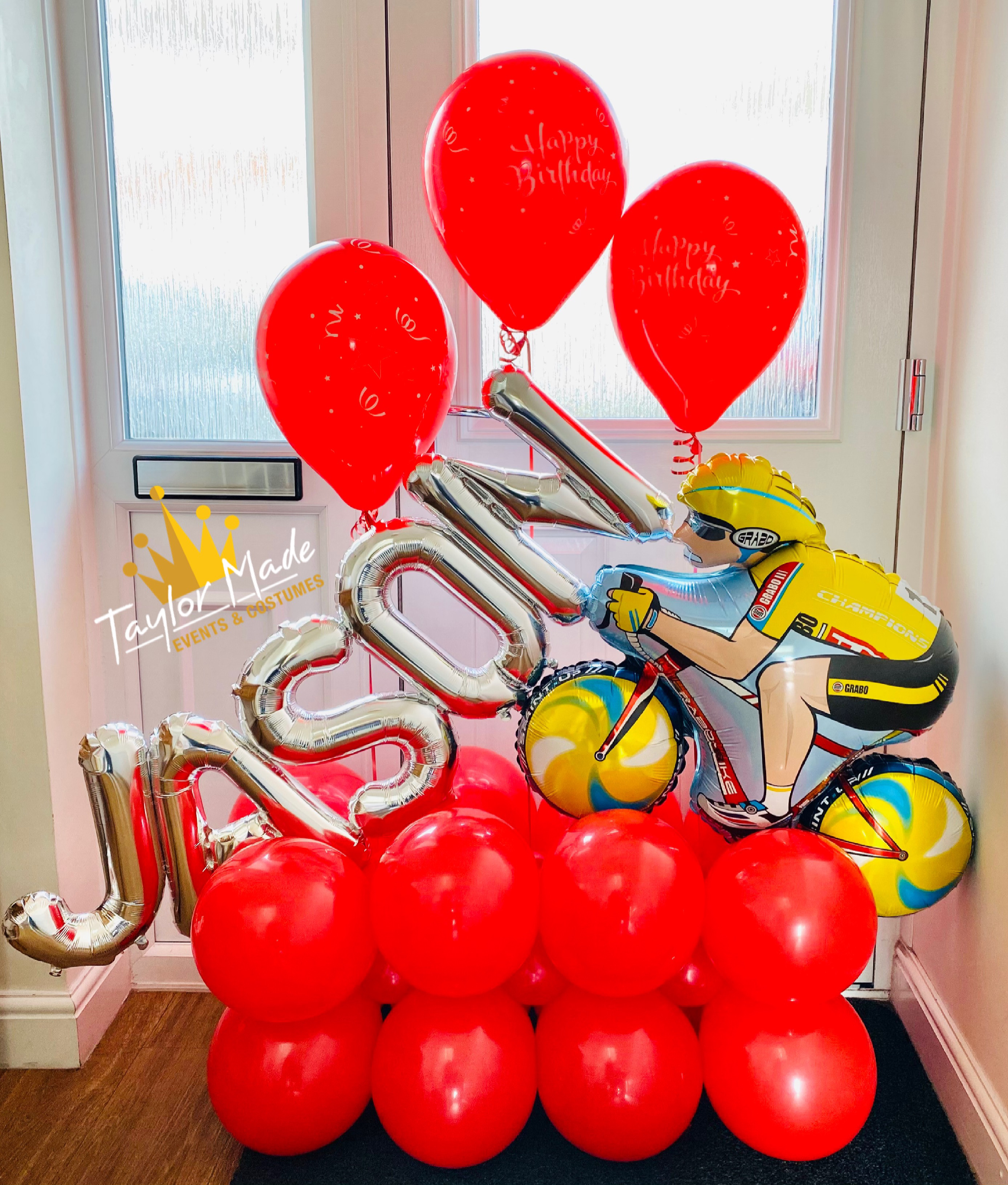 Cycling balloon display
