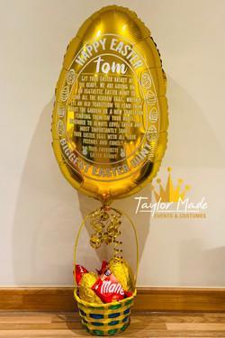 Golden egg balloons